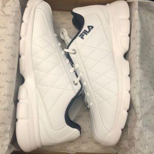 Men's FILA FulCrum White Rubber Shoes NWT
